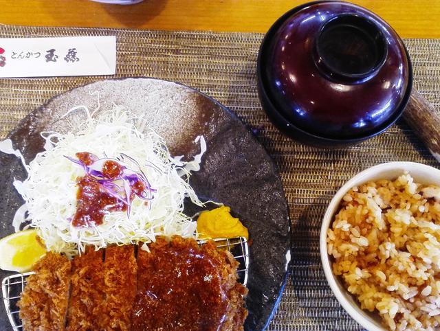 【東区】〈食べる〉 肉厚ジューシーです。とんかつ玉藤 伏古店