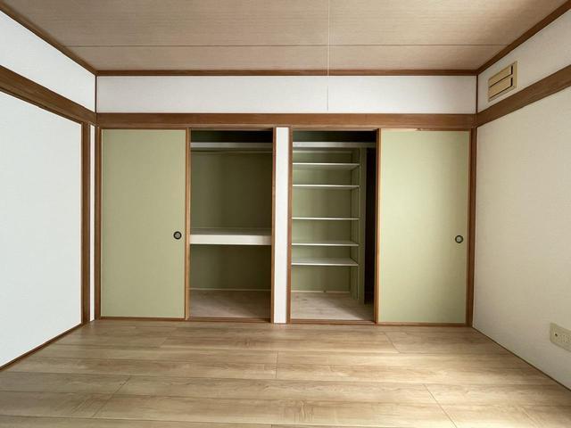 【札幌 リフォーム】THE 押入が使いやすい収納 & クローゼットに変身!