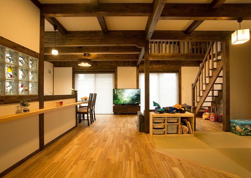 古き良き時代の美しく印象深い佇まいを感じる家